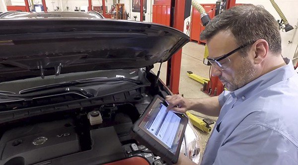 The revolutionary new Snap-on® Intelligent Diagnostics live on ZEUS is the ultimate time-saver and provides technicians with the fastest path to complete the job